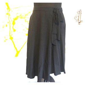 Elle wrap, full skirt with tie